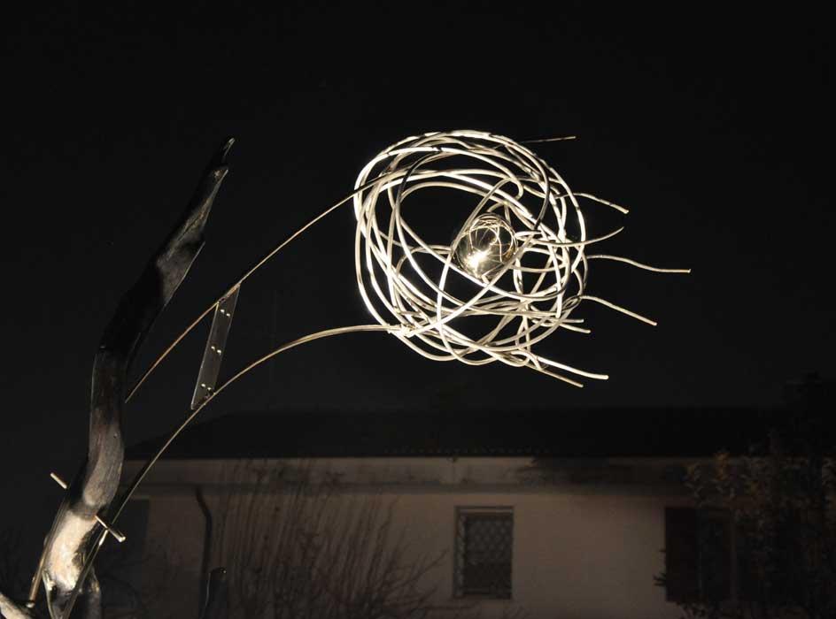 Scie scultura luminosa da esterni per parchi e giardini - Giardini particolari ...