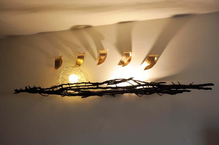 Plafoniere Da Parete In Legno : Luci dedicate da muro design e scultura atocaio