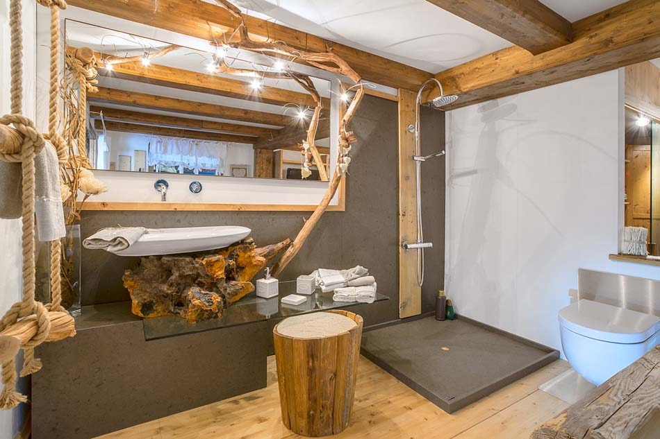 Lampade in legno per arredamento moderno di montagana for Casadi arredamenti